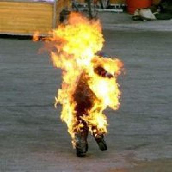 """Mohamed Bouzazizi quemándose """"a la gonzo"""""""